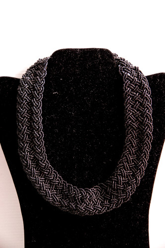weaved black